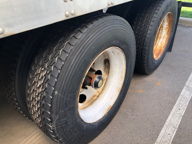 checking your semi-trailer tires